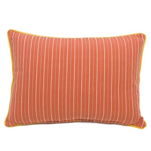 Raidallinen tyynynpäällinen