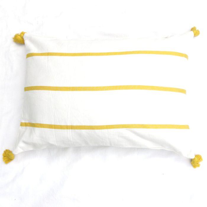 Moko mas tyynynpäällinen tupsut keltainen 50x70
