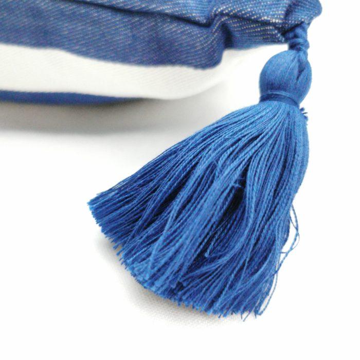 Moko mas tyynynpäällinen tupsut sininen 50x70 lähi